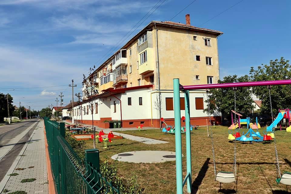 Liceul din Periam și grădinița din Giarmata trec la scenariul roșu