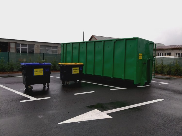 A fost inaugurat Centrul de colectare selectivă a deșeurilor din Moșnița Nouă