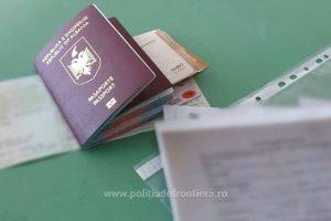 Doi albanezi prinşi în flagrant când încercau să ofere 500 de euro mită unui polițist de frontieră de la Jimbolia