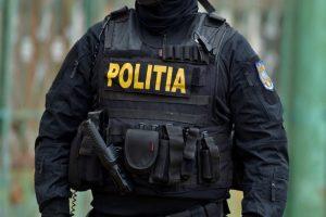 Un poliţist aflat în timpul liber i-a recuperat unei tinere telefonul furat din mână