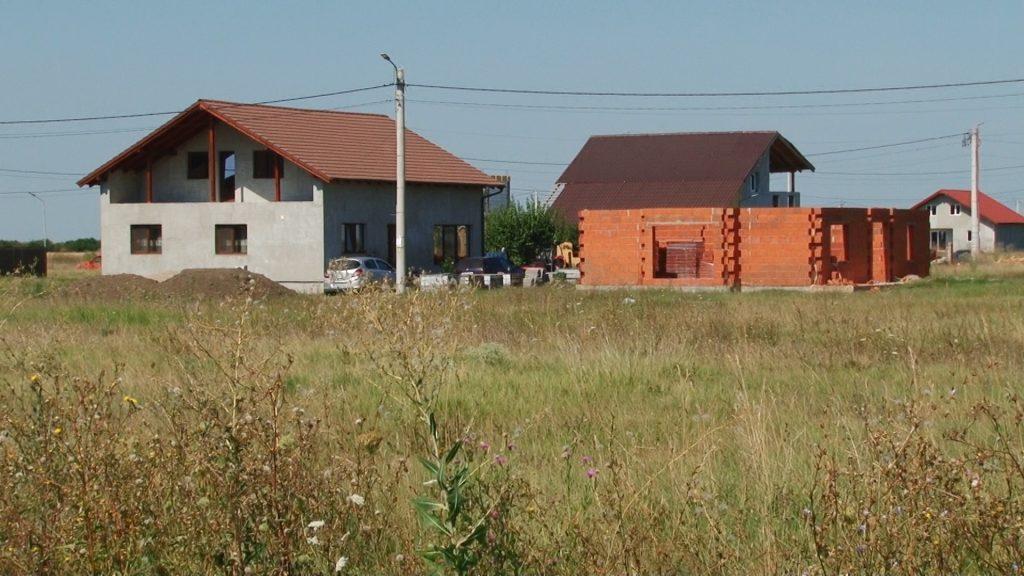 Cartierul rezidențial din comuna Șandra prinde contur/ VIDEO