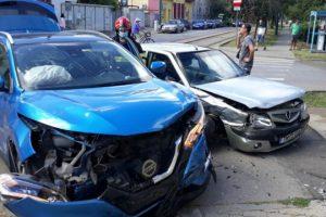 O persoană a ajuns la spital în urma unui accident petrecut în zona Pieţei Crucii