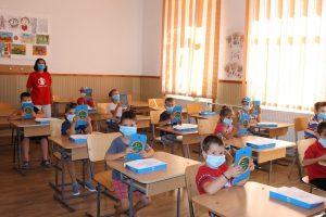 Salvați Copiii România accelerează dotarea copiilor vulnerabili cu tablete și acces la internet în Timiş şi alte judeţe