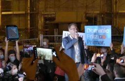 """Dominic Fritz a sărbătorit rezultatul alegerilor în Piața Victoriei: """"Timișoara a scris din nou istorie! Timișoara astăzi a înfăptuit o nouă Revoluție!"""""""