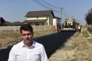 Se asfaltează străzile din zona Mănăstire în Şag