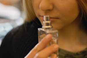 Pierderea mirosului, odată cu infectarea cu COVD-19, este un semn bun. Acești pacienți manifestă doar forme ușoare ale virozei