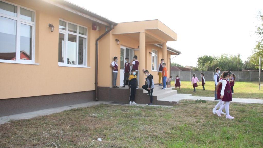 Corp nou de școală pentru elevii din Sânmihaiu Român/VIDEO
