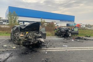 Două persoane rănite în urma unui accident rutier produs în apropiere de Remetea Mare
