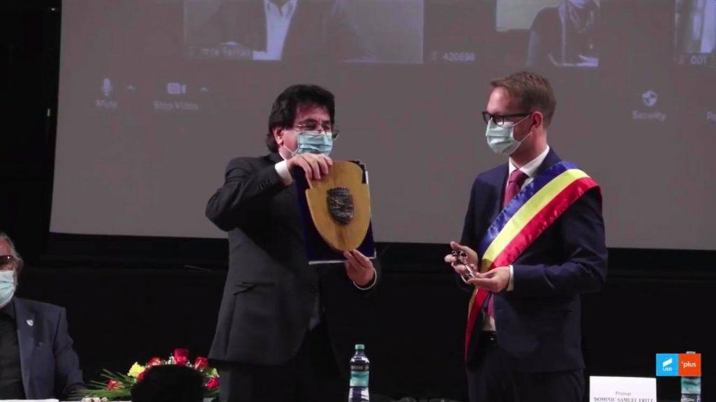Ceremonie de învestire cu distanțare. Dominic Fritz a depus jurământul ca primar al Timișoarei
