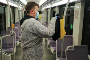 Mijloacele de transport în comun, dezinfectate cu cloramină și lumină ultravioletă