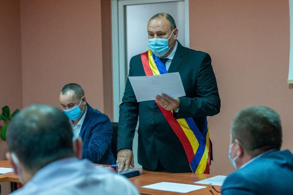 Marius Graur, primar al comunei Lovrin pentru următorii patru ani. A fost învestit în funcție