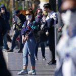În Timiș, masca devine obligatorie și pe stradă în tot județul