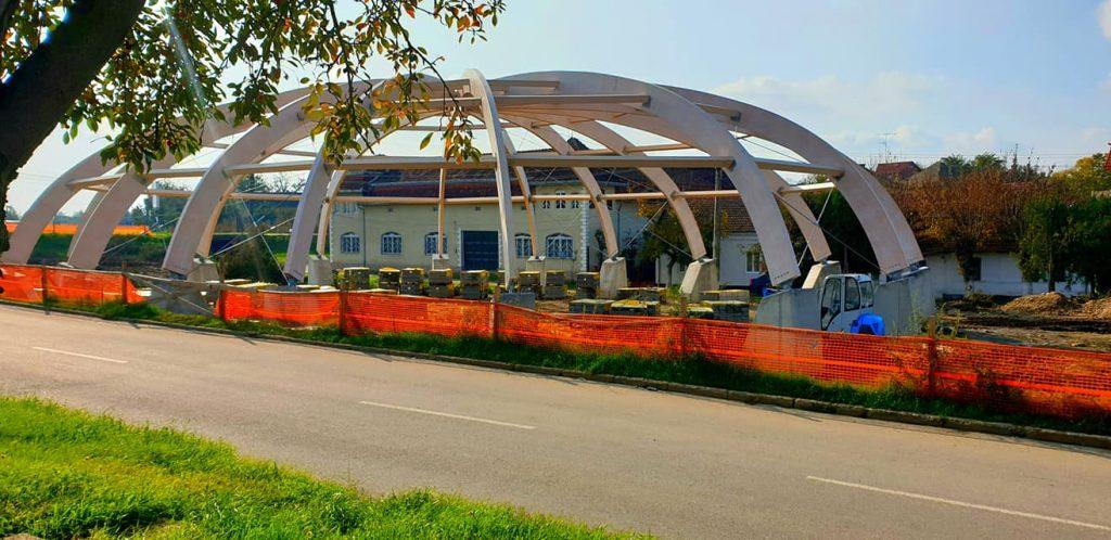 Avansează lucrările la Piaţa agroalimentară din Buziaş