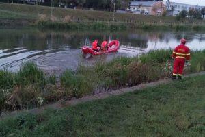 Bărbat scos inconștient din apele Begăi de pompieri. A intrat să înoate lângă Parcul Copiilor. UPDATE: A murit