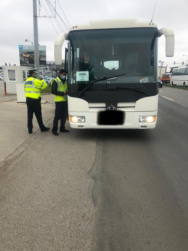 Razie a Poliției Rutiere! Zeci de autobuze și microbuze care transportă persoane vor fi oprite
