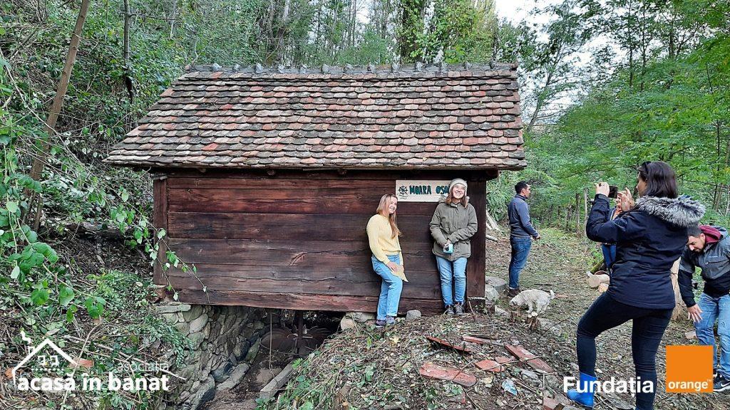 După 10 ani, în satul Pârvova se macină din nou la moara de apă. Voluntarii au renovat trei mori