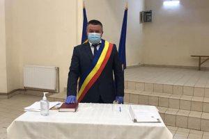 Viorel Mărcuți a fost învestit în funcția de primar al comunei Sânmihaiu Român