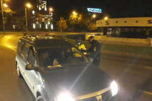 Deplasarea fără motiv în timpul nopții și nepurtarea măștii, amendate de polițiștii timișeni