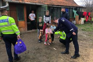 Au adus zâmbetul pe buzele a 30 de familii și 70 de copii nevoiasi din Timis
