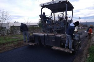A început asfaltarea în satul Herneacova