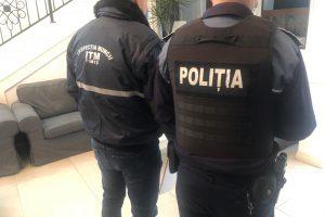 Un timișorean s-a trezit cu polițiști și jandarmi la ușă după ce a organizat o petrecere cu 17 persoane și a transmis pe Facebook