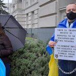 """Polițiștii au protestat în fața Prefecturii: """"Pentru al vostru experiment am ales avertisment"""". FOTO"""