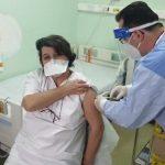 """A început vaccinarea împotriva coronavirusului la Timișoara cu medicii de la Spitalul """"Victor Babeș"""""""