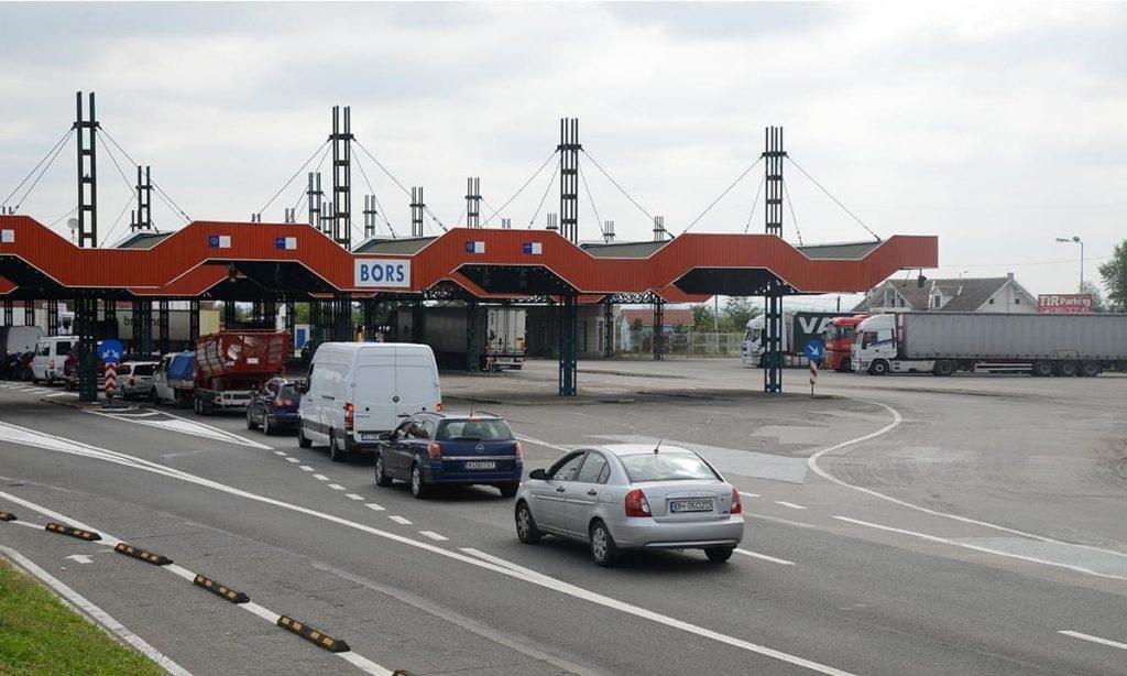 Trafic crescut, la graniţa cu Ungaria