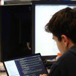 Provocare pentru elevii din Timiș: competiția online Hackathon