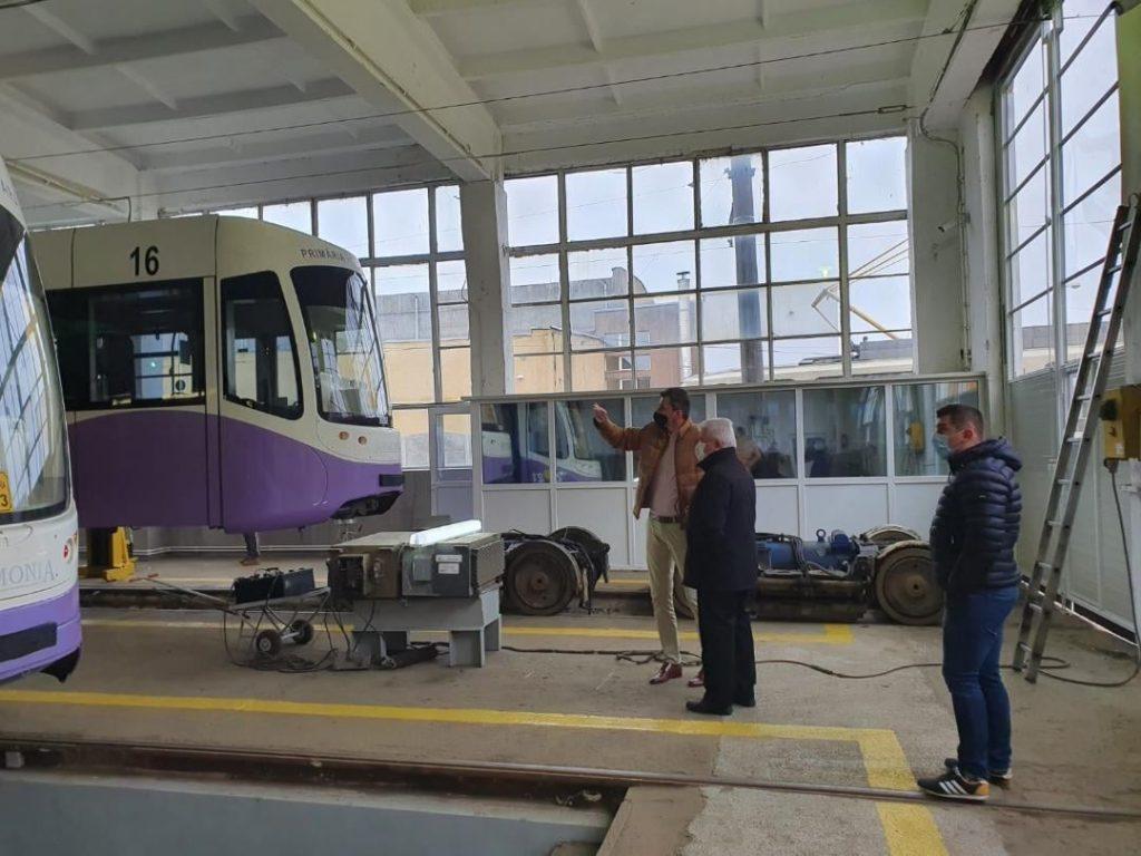 Discuții pentru îmbunătățirea calității serviciilor de transport public în Timișoara și zona metropolitană