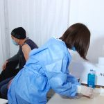 Doar 65 de persoane din 3.385 vaccinate ieri cu AstraZeneca