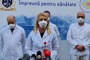 """""""Un an de luptă împotriva COVID 19""""! Ce mesaj transmit medicii de la Victor Babeș Timișoara"""