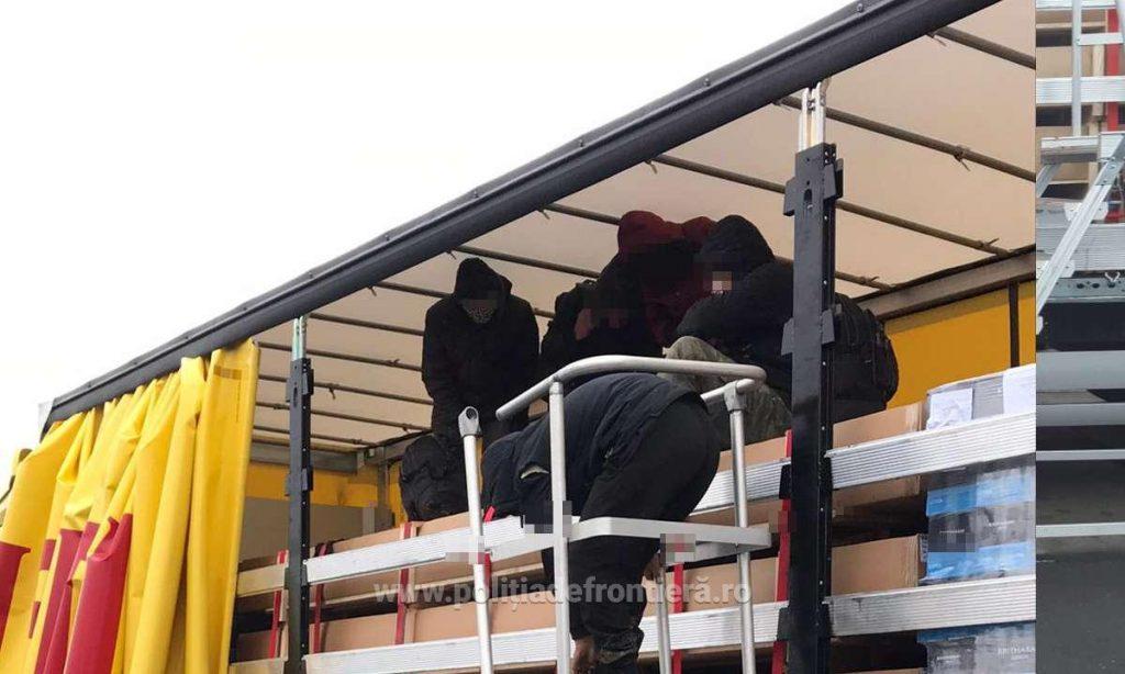 28 de cetăţeni din Afganistan și Siria ascunşi în automarfare, depistați la Nădlac şi Vărşand