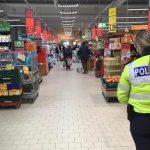 Polițiștii acționează pentru verificarea respectării măsurilor anti-Covid 19