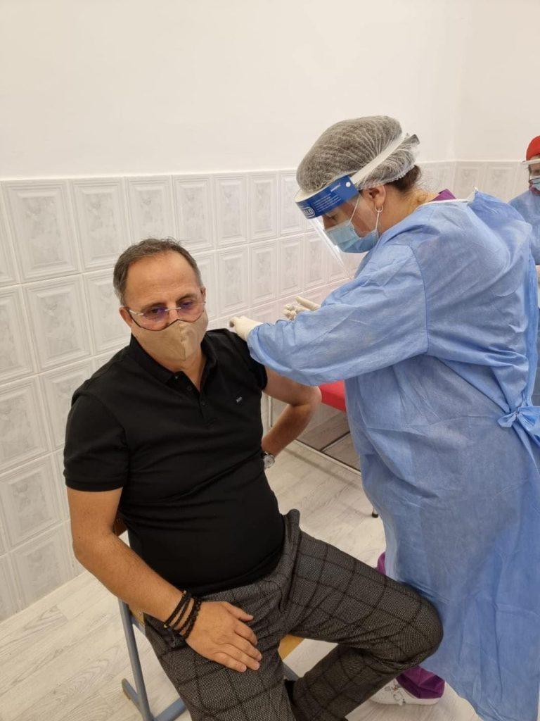 Primarul orașului Buziaș s-a vaccinat împotriva COVID- 19