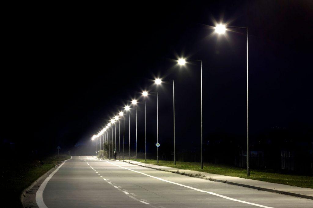 Iluminat public inteligent la Gătaia și Sculia