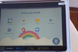 Peste 55.000 de elevi din Timiș au început de azi cursurile online