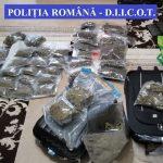 Droguri și bani, confiscate de la traficanți din Timișoara