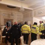 Polițiștii le-au stricat distracția unor petrecăreți