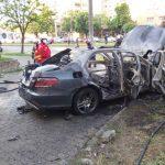 Asasinat cu bombă, în cazul de la Arad: o mașină a explodat într-o parcare, iar șoferul a ars de viu