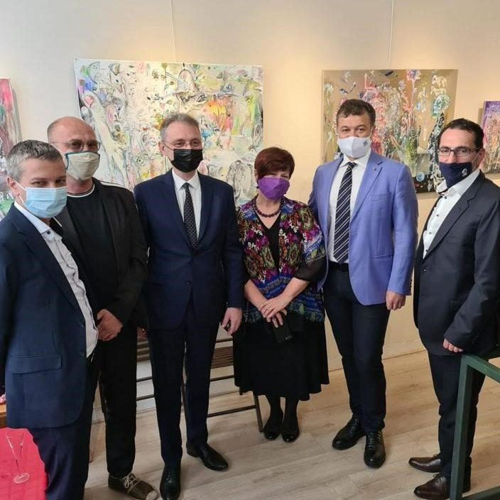 """Expoziția ,,ARTE30"""", organizată la Paris de Facultatea de Arte și Design a UVT , un succes al școlii timișorene de pictură"""