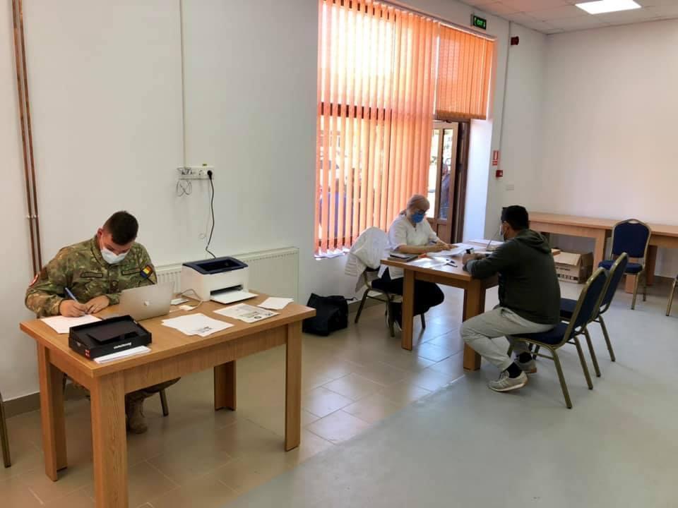 Echipele mobile au ajuns la Lovrin și Tomnatic pentru vaccinarea elevilor și a cadrelor didactice