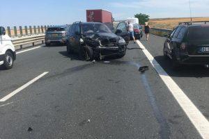 O tânără și-a pierdut viața într-un accident rutier pe autostradă