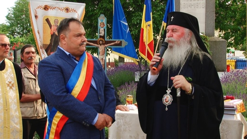 Mitropolitul Banatului a sfințit noua capelă de la Șandra, cu prilejul Zilei Înălțării Domnului/ VIDEO