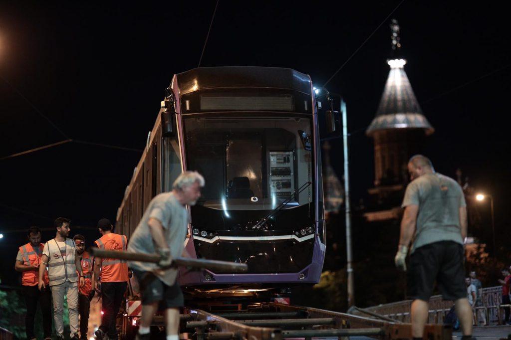 La Timișoara a ajuns primul tramvai nou din ultimii 50 de ani