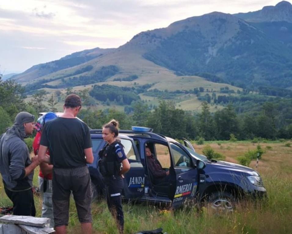 Turiști străini salvați din Munții Cernei