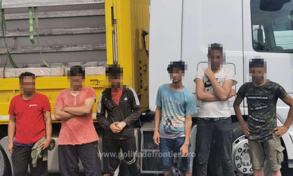 Migranți ascunși într-un camion condus de un turc
