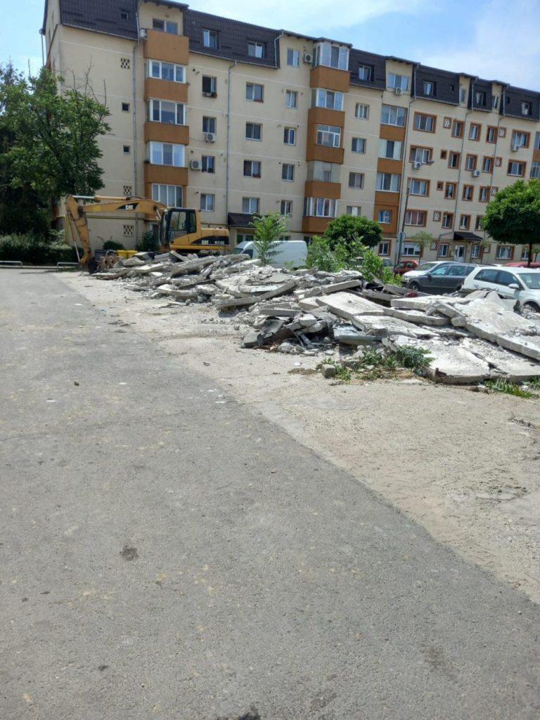 Peste 90 de locuri de parcare în locul garajelor din tablă de pe strada Martir Elena Nicoară