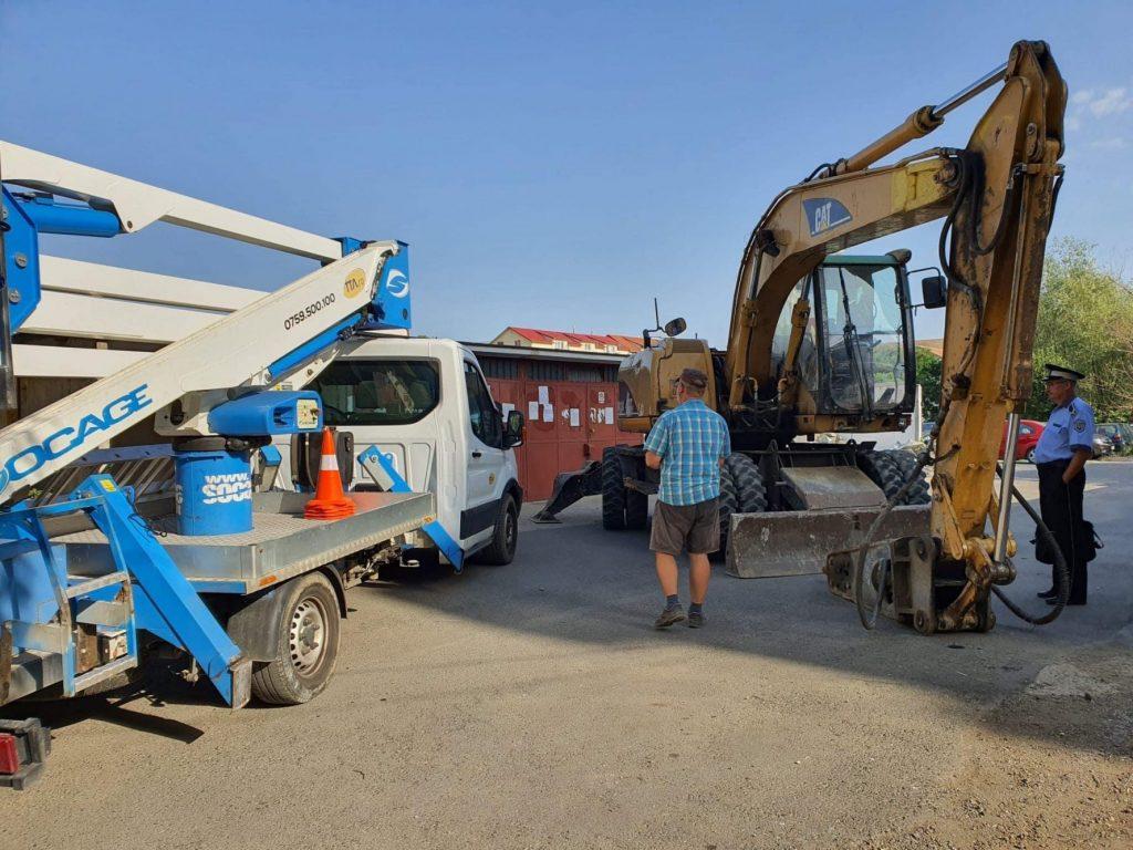 A început demolarea a 26 de garaje de pe str. Martir Elena Nicoară