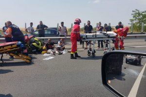 Microbuz răsturnat și trei mașini lovite pe Autostrada A1